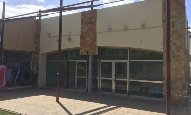 Local-Bien-Ubicado-con-Almacén-Corralejo-249908792_3