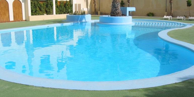 piscina-condominiale
