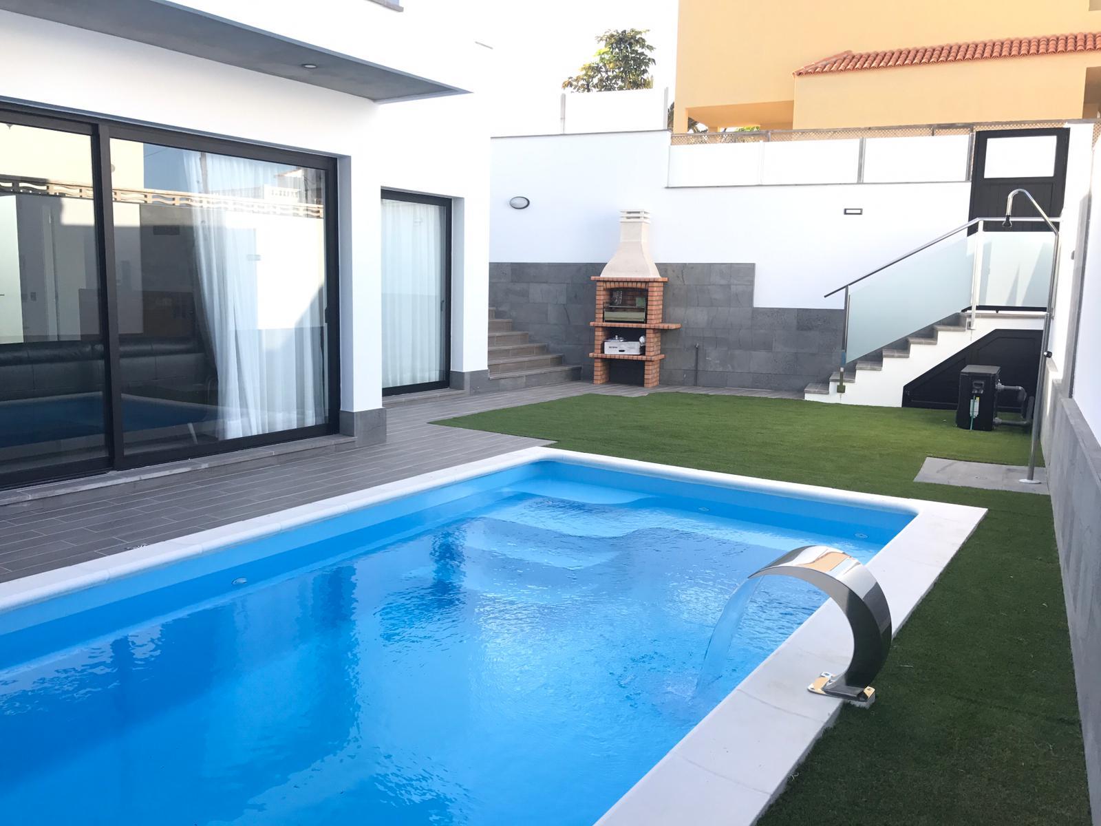 Luxury Villa in Avenida Grandes Playas