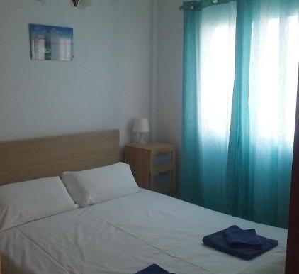 FR124 bedroom.jpg.opt422x562o0,0s422x562