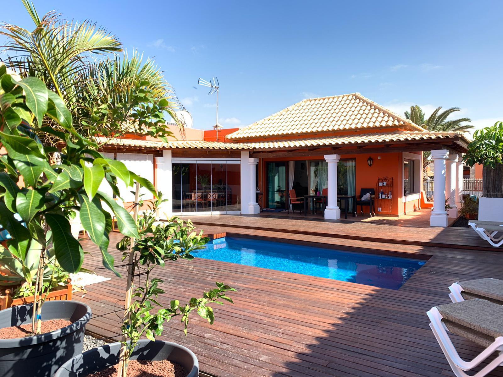 Luxury villa in Brisas del Mar