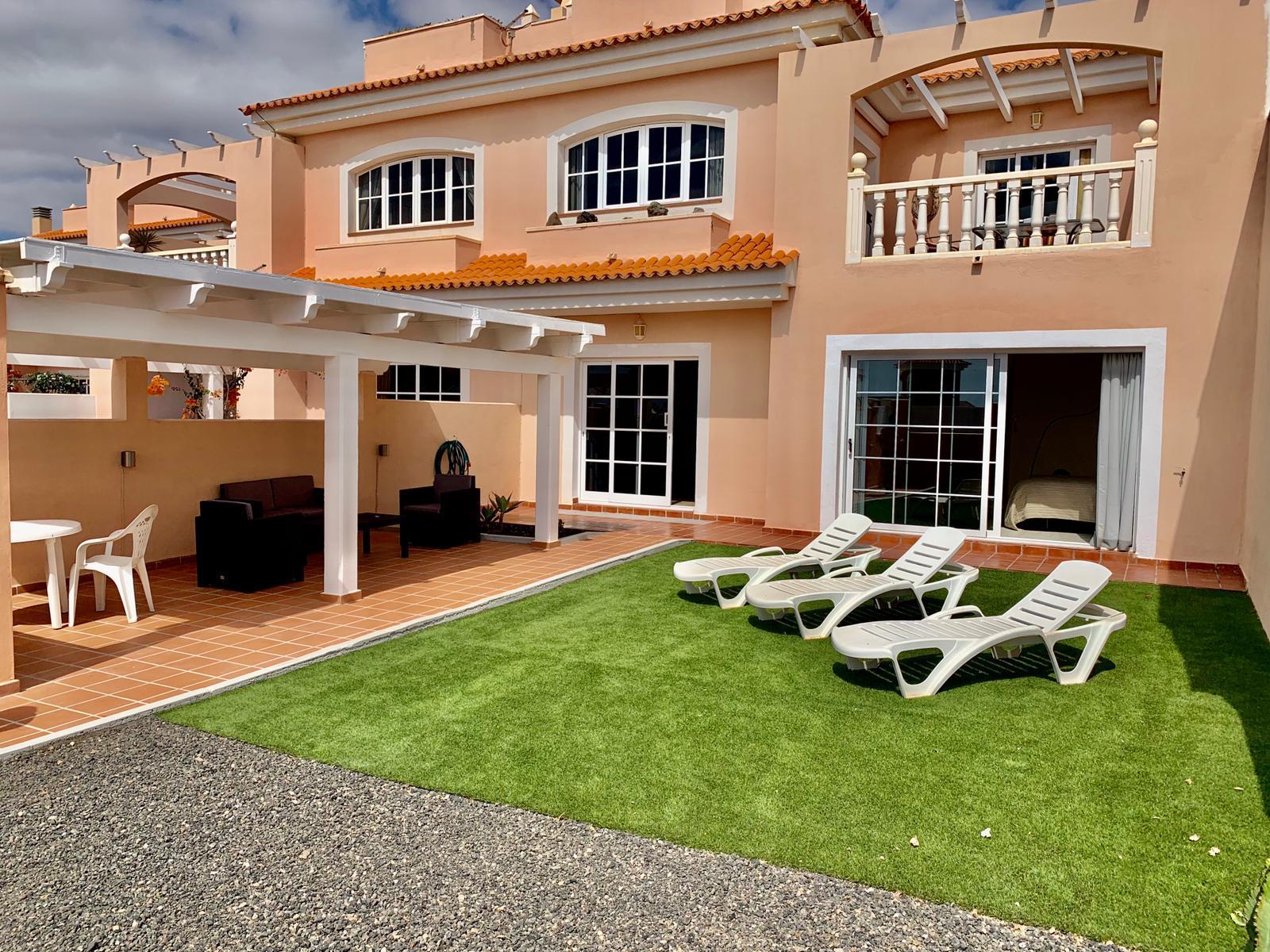 Semi detached villa in Caleta de Fuste