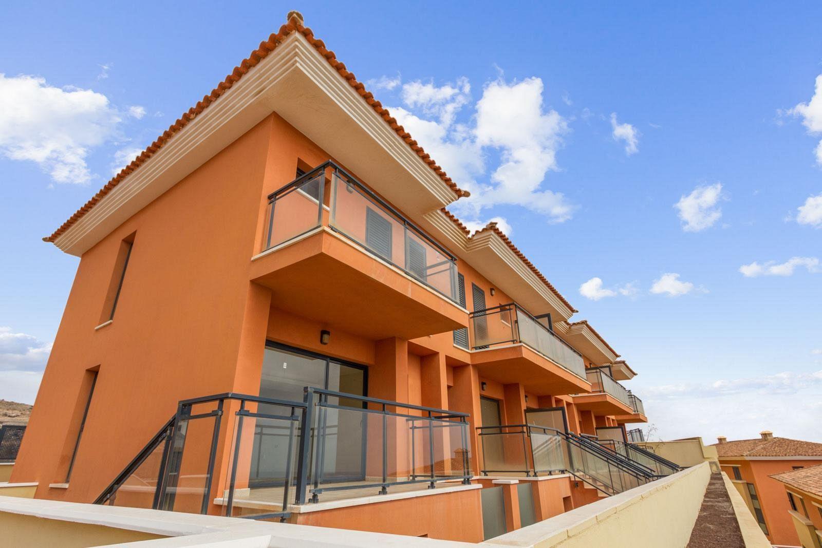 TOWNHOUSE IN THE ATALAYA PARK RESIDENTIAL IN CALETA DE FUSTE – FUERTEVENTURA